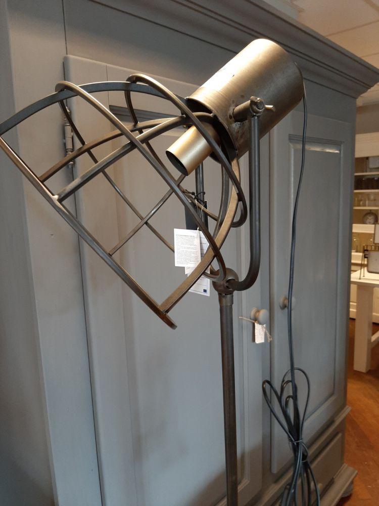 industrile vloerlamp met korf mt l nieuw